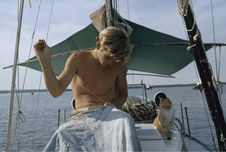 The Teen Who Sailed Across The World - Robin Lee Graham